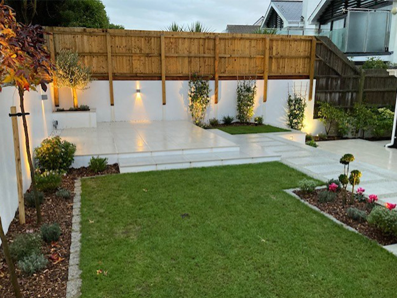 patio with lawn